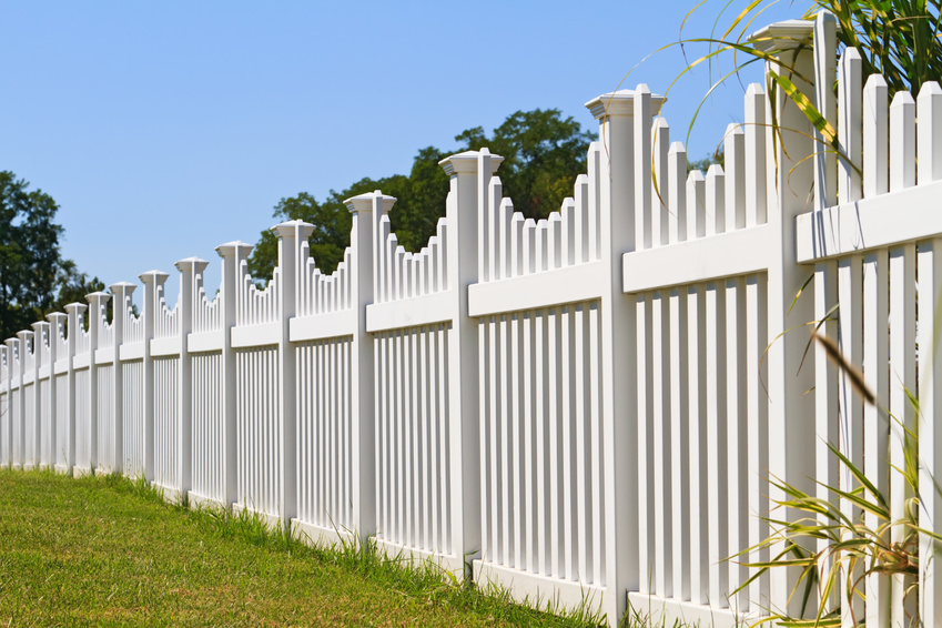 Residential Fence Installation: 4 Important Frequently Asked Questions