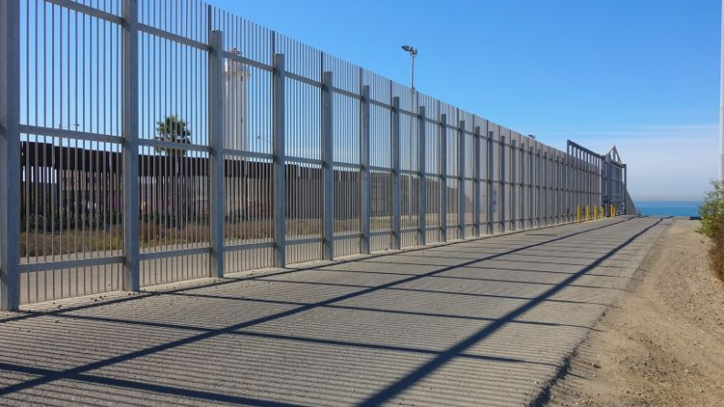 Why You Need a Commercial Privacy Fence