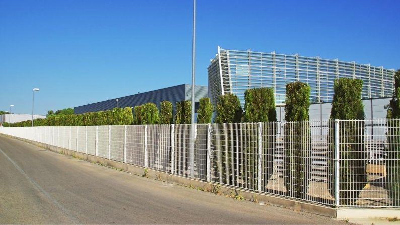 Businesses That Benefit From Commercial Fencing